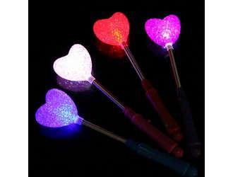 Фото товара Сердечко на палочке светящееся